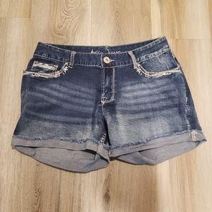 Ariya jeans shorts medium wash bling blue 11/12